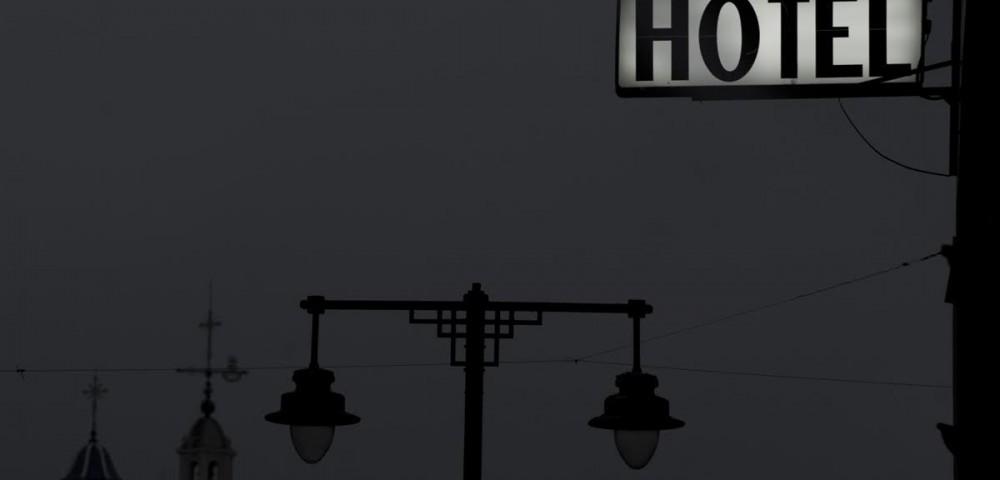 <div class='banner_marca'></div><div class='banner_title'>El eje de todas las geometrías alcoyanas</div><div class='banner_content'>Un recorridofotográfico de Paco Grau por el tótem alcoyano por antonomasia con texto de Javier Llopis</div>