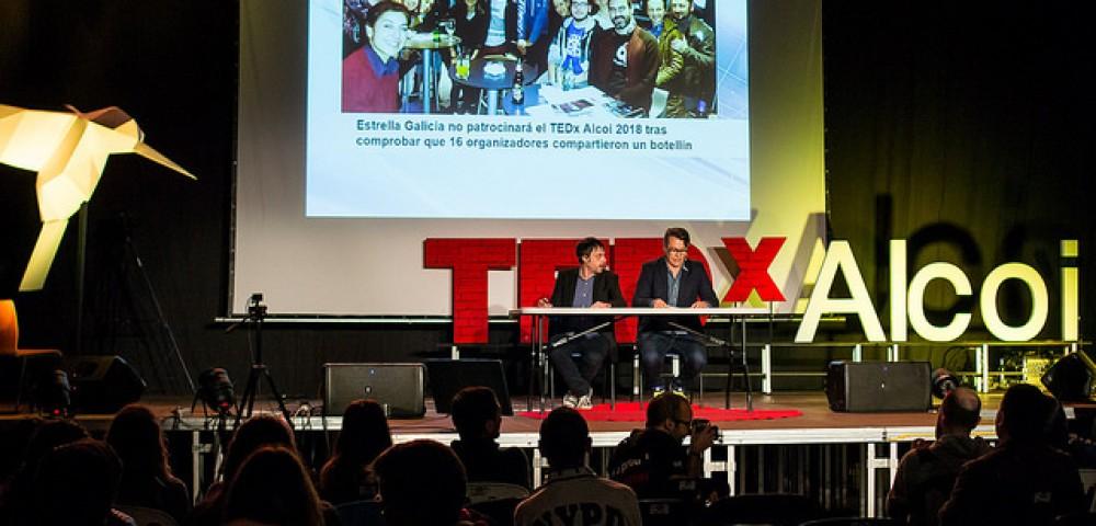 <div class='banner_marca'></div><div class='banner_title'>Más falso que un Judas' ahora también en vídeo</div><div class='banner_content'>Con la revista de esta semana 'Tipografia La Moderna' regala el video que cerró la edición 2017 del TEDx Alcoi</div>