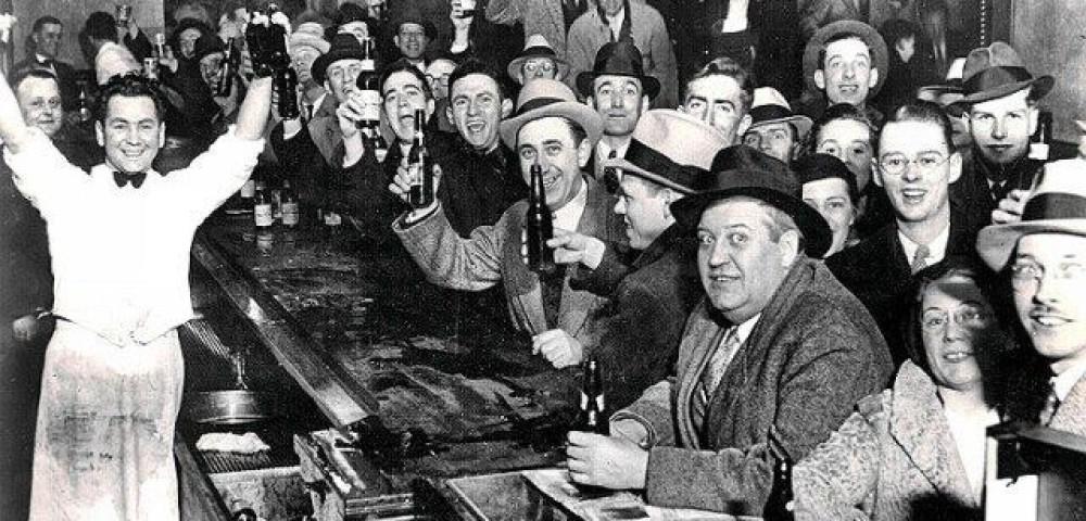 <div class='banner_marca'></div><div class='banner_title'>Matando bares a cañonazos</div><div class='banner_content'>El cierre de los locales de ocio nocturno, la legalidad y el sentido común. Un artículo de Javier Llopis</div>