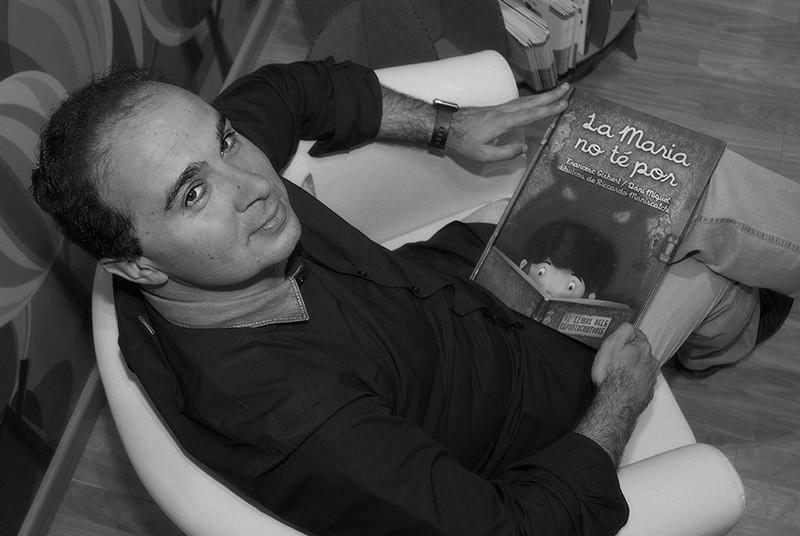 Francesc Gisbert guanyador del Premi de la Crítica dels Escriptors Valencians.
