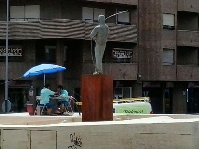 El Ayuntamiento soluciona el problema de las terrazas de bar permitiendo mesas en las rotondas