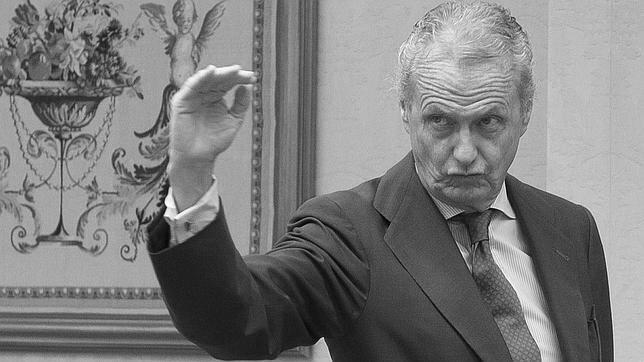 La semana: legajos del gran bucle alcoyano, las obligaciones del Sabadell y un pulcro petimetre