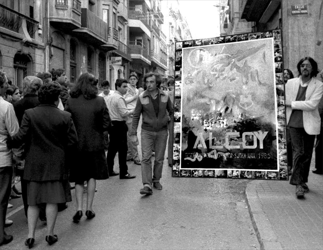 La semana: destierros festeros, retiradas silenciosas y viejas fotografías en blanco y negro