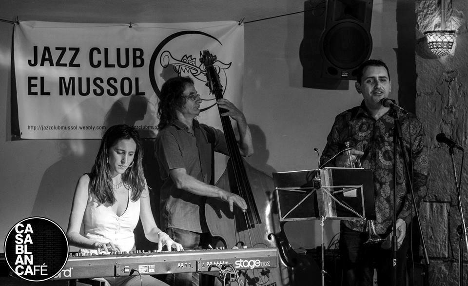 Jazz per a inquiets: Versonautas, un viatge que combina música i poesia