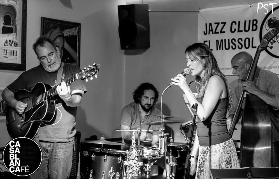 Jazz per a inquiets: Sandra Boïls, la veu suau i encaramel·lada