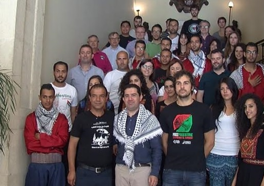 El alcalde se hace un lío con la agenda y confunde la visita de una misión palestina con una reunión con los Amigos de Mantón de Manila