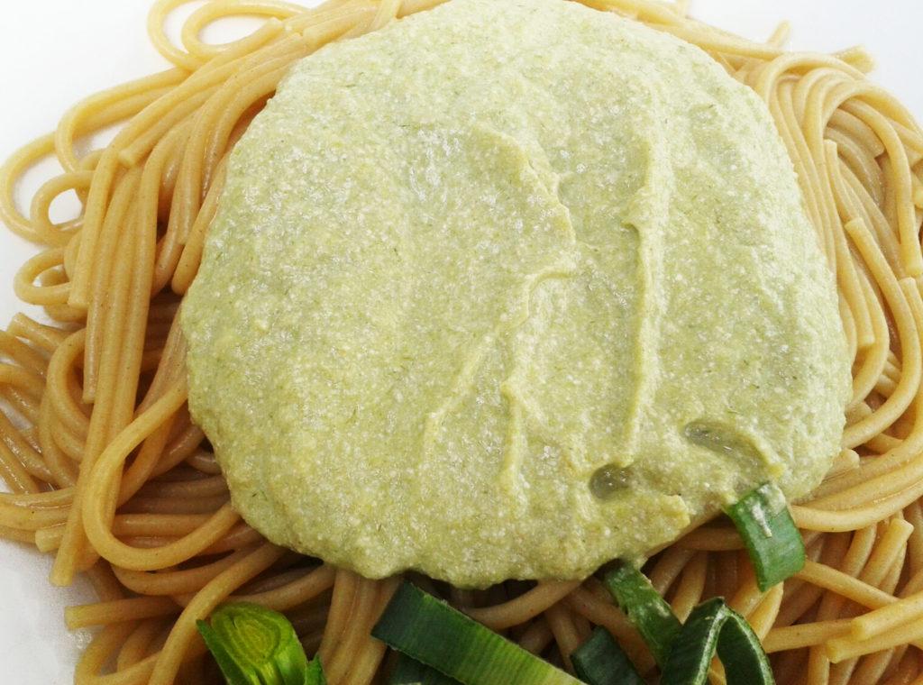 Espaguetis con salsa verde