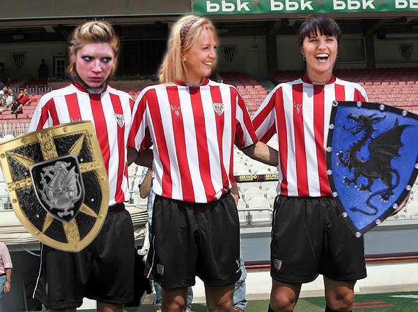El Casal zanja la polémica de los trajes femeninos de la Filà Vascos: las festeras desfilarán con el equipaje oficial del Athletic de Bilbao