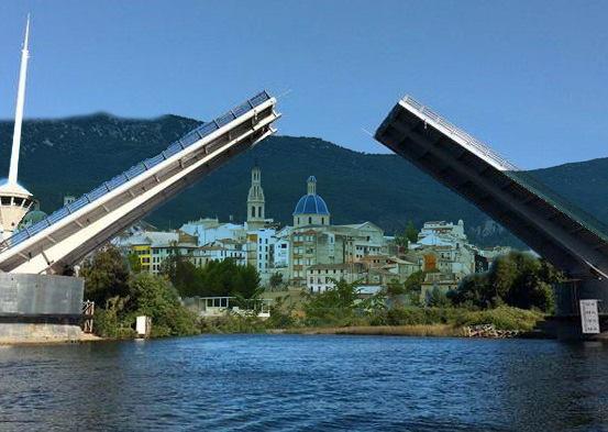 Fomento retirará todos los tirantes del puente Fernando Reig para evitar nuevas roturas y lo transformará en un puente levadizo