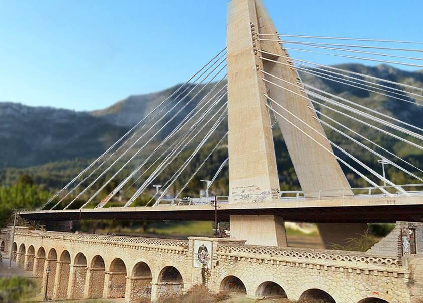 Tras conocer los informes favorables de Fomento, el Ayuntamiento decide construir un nuevo puente debajo del puente Fernando Reig por si las moscas