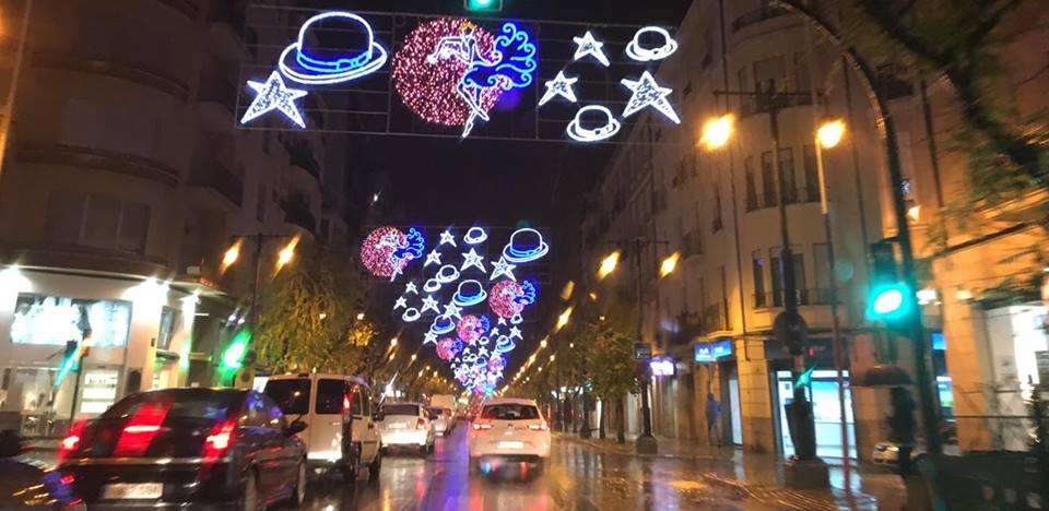 La Policía investiga si las luces Navideñas de l'Alameda retiradas por el Ayuntamiento fueron sustraídas de 'No tengo el chichi pa farolillos', 'El pepinillo feliz', 'El conejo de la suerte' y otros conocidos clubes de alterne de Albacete
