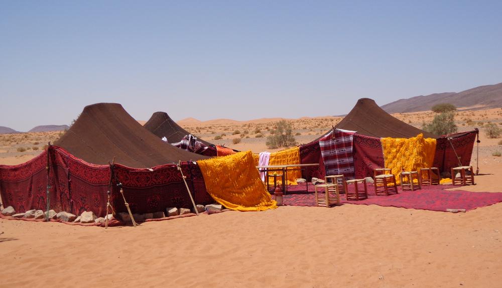 Ante la falta de soluciones, la Asociación de San Jorge se plantea establecer un campamento estable en la plaza de Al-Azraq para dar cobijo a las filaes cuyas sedes quedaron temporalmente inhabilitadas por el desprendimiento de primeros de año