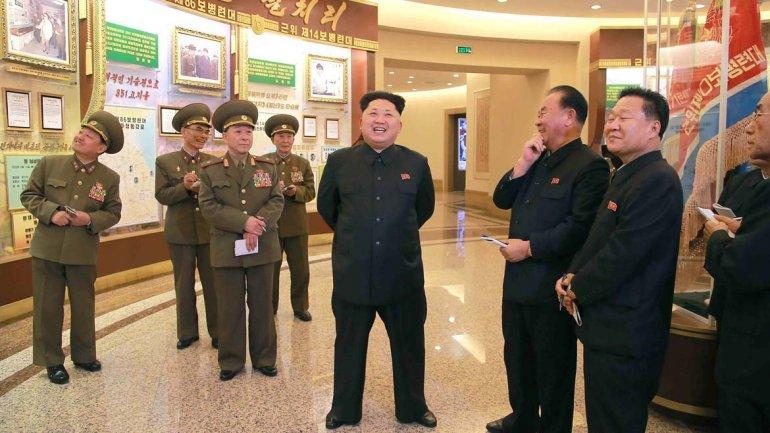 Una delegación de  Corea del Norte visitará Alcoi durante el próximo otoño para interesarse por las flechas de plástico duro que se lanzaron en la Aparición de San Jorge