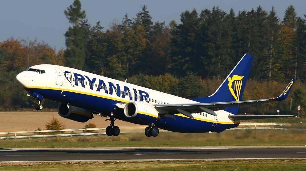 Ryanair encarga a un prolífico compositor alcoyano, cuyo nombre no ha trascendido, la renovación de todas las melodías de sus aeronaves y de las maniobras habituales de la aerolínea