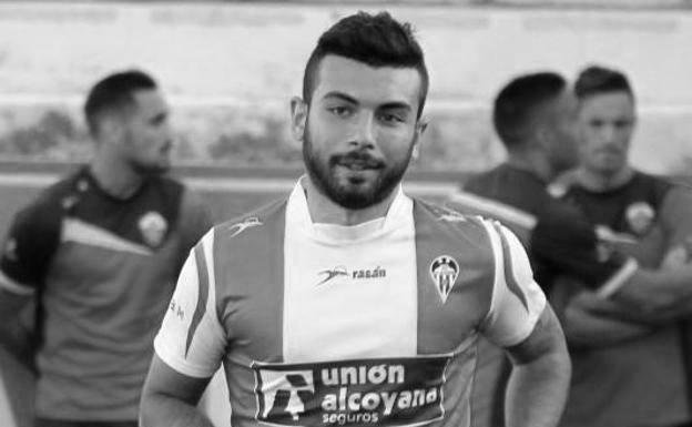 José García:  «en el fútbol da la sensación de que somos marionetas: si estás bien y el entrenador cuenta contigo, adelante; si no a veces te tratan casi como un inválido, y lo pasas muy mal»