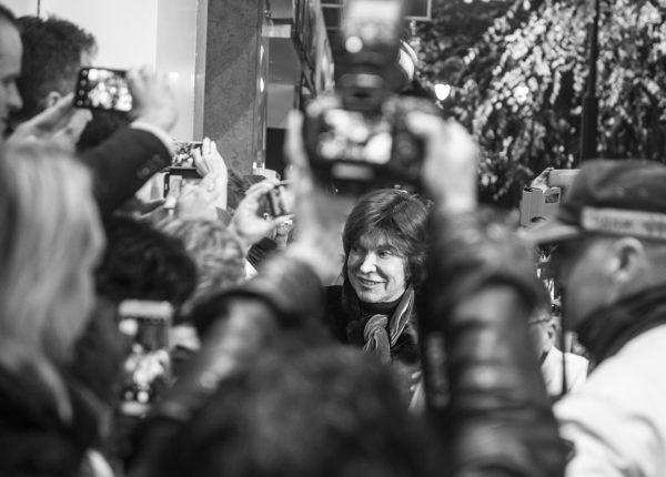 Camilo Sesto entre multitudes
