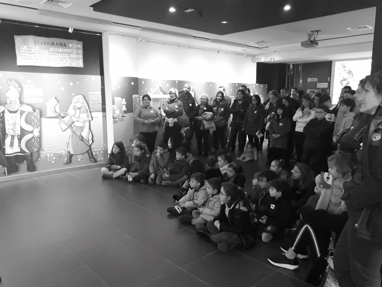 """La exposición """"La Cavalcada, qui és qui?» bate records de asistencia y recibe 3.150 visitantes en un mes"""