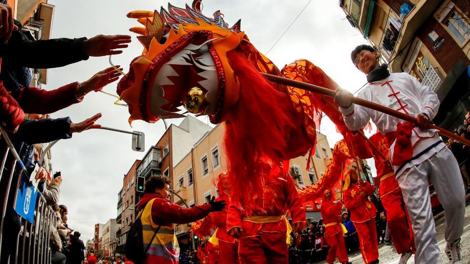 El Instituto Tecnológico Confucio descubre numerosos parecidos entre la Fiesta de Moros y Cristianos de Alcoy y la celebración del Año Nuevo Chino