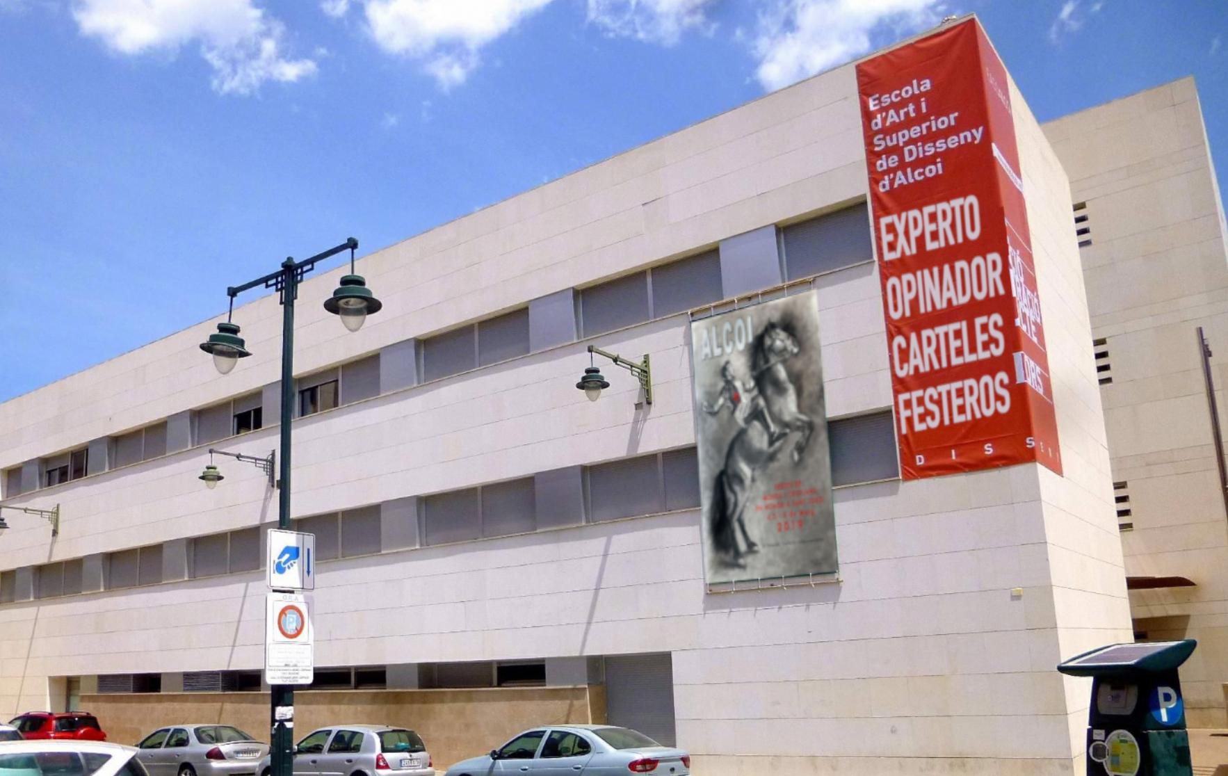 L'Escola d'Art i Superior de Disseny de Alcoy incluirá en su oferta educativa la titulación de 'Experto Opinador en Carteles Festeros'