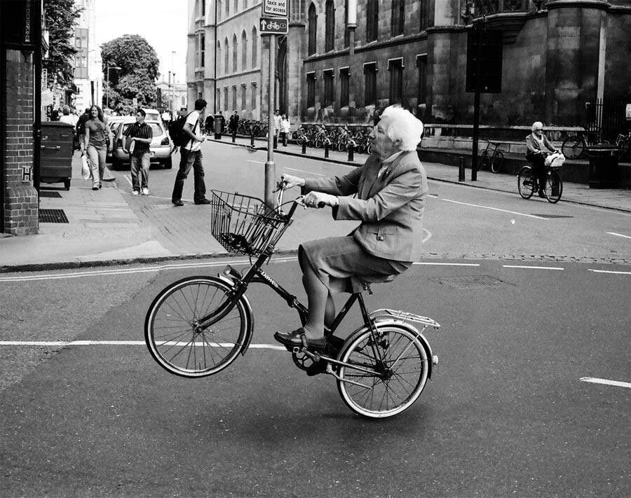 Cuaderno de campaña: Si la abuela tuviera ruedas sería una bicicleta
