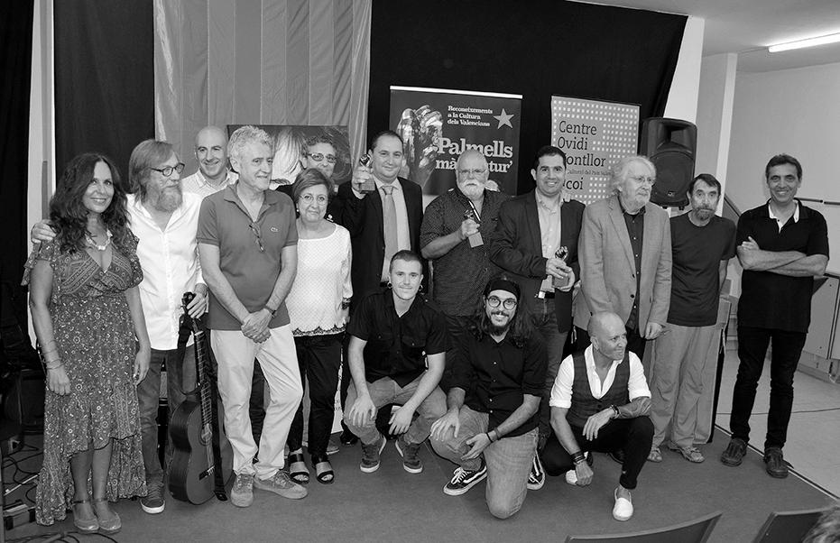 """En un emotiu acte es lliuren a Isabel-Clara Simó, Josep Sou i l'IES Pare Vitòria els """"Palmells 2019, mà del futur"""""""