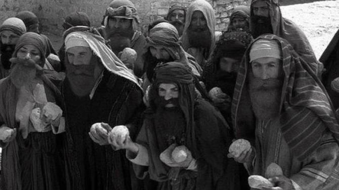 La alcoyanía en los tiempos del cólera (13): el que esté libre de pecado, que tire la primera piedra