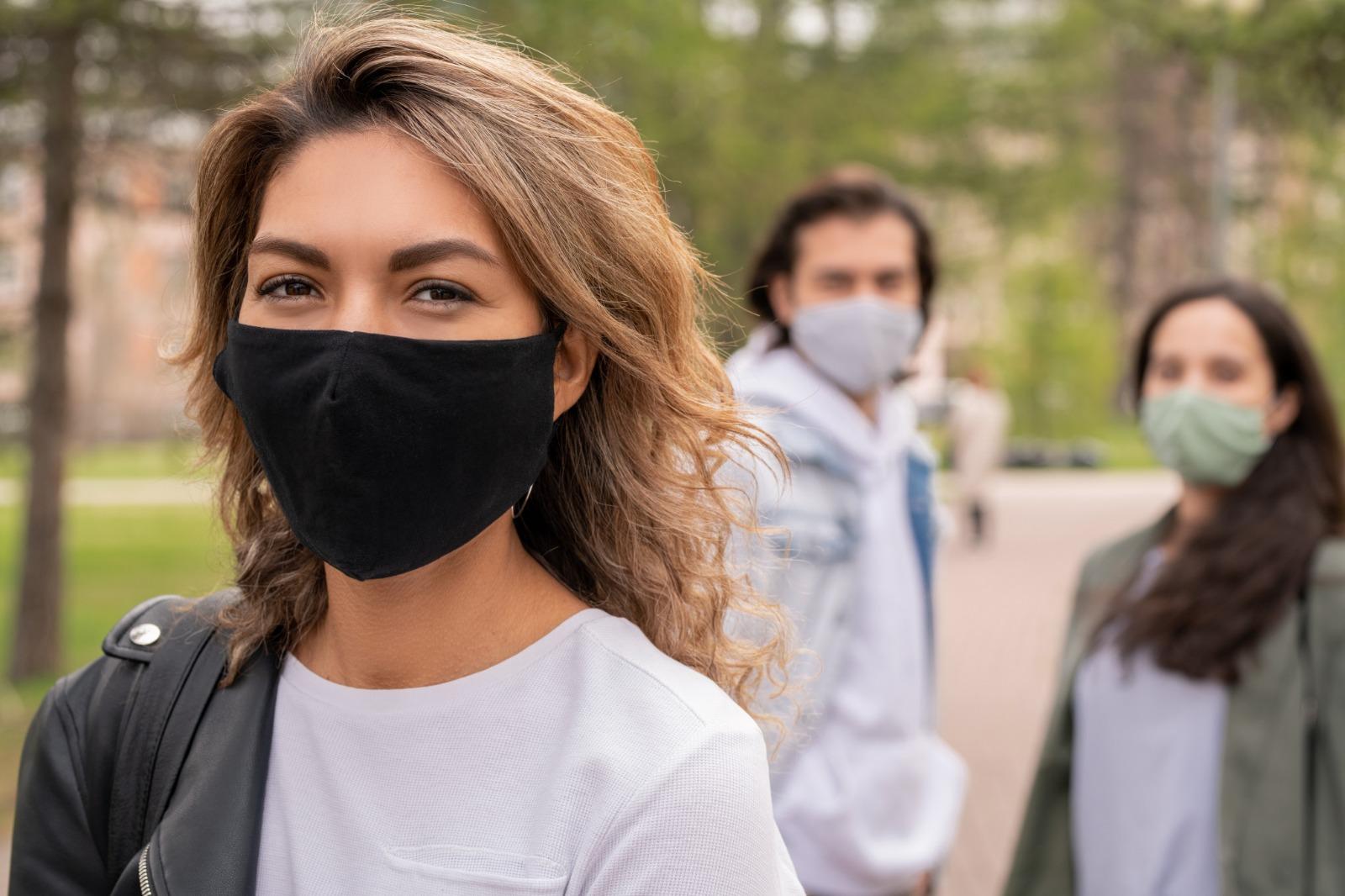 Varias asociaciones de guapas y guapos alcoyanos piden al Ayuntamiento que les exima de llevar mascarilla