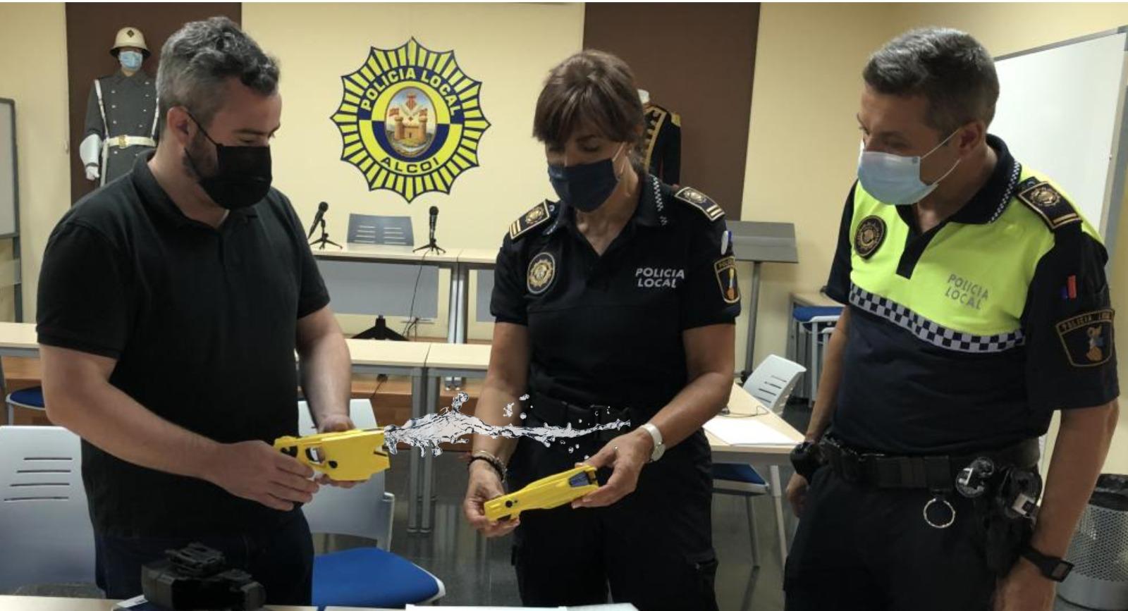 La Policía Local adquiere cuatro pistolas de agua para el verano