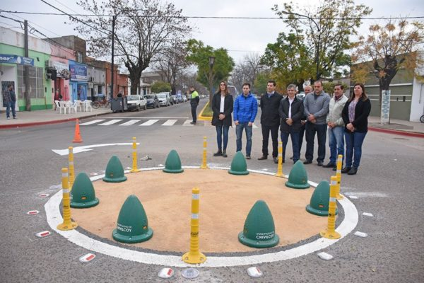 Seis alcaldes de la comarca ingresan en un centro para desintoxicación de adictos a las rotondas