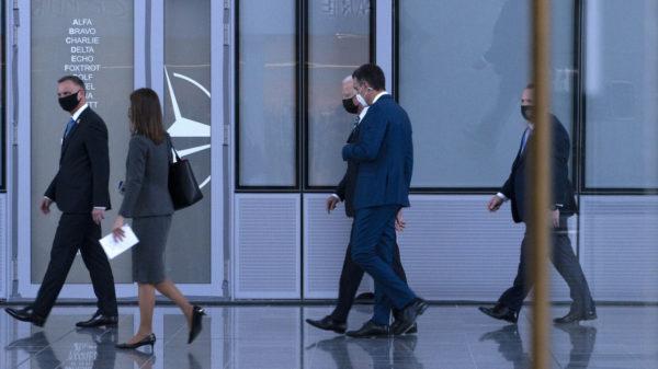 Exteriores negocia que Pedro Sánchez sea el cartuchero de Biden en el próximo Alardo