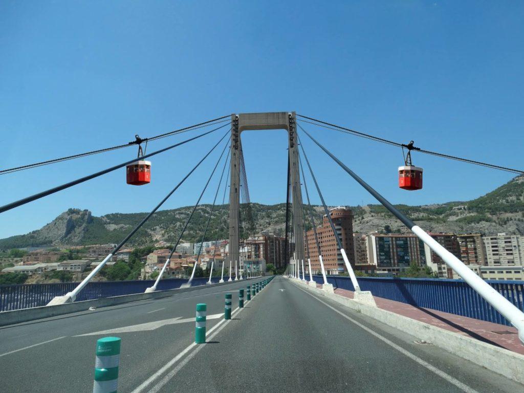 Tras el informe del Ministerio de Fomento el Ayuntamiento habilitará un teleférico en el puente Fernando Reig con el fin de facilitar el acceso de peatones al Pare Vitòria y a la Zona Alta