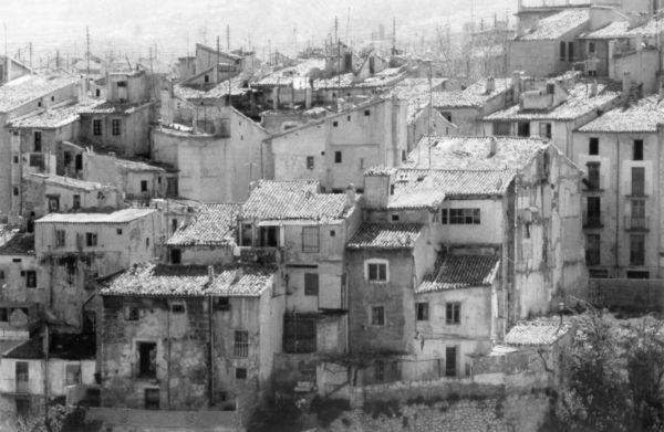 La Universidad de Alicante publica un libro sobre el urbanismo de los siglos XIX y XX en Alcoy